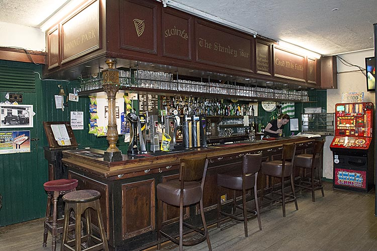 Main Bar in the Stanley Bar Kinning Park 2016